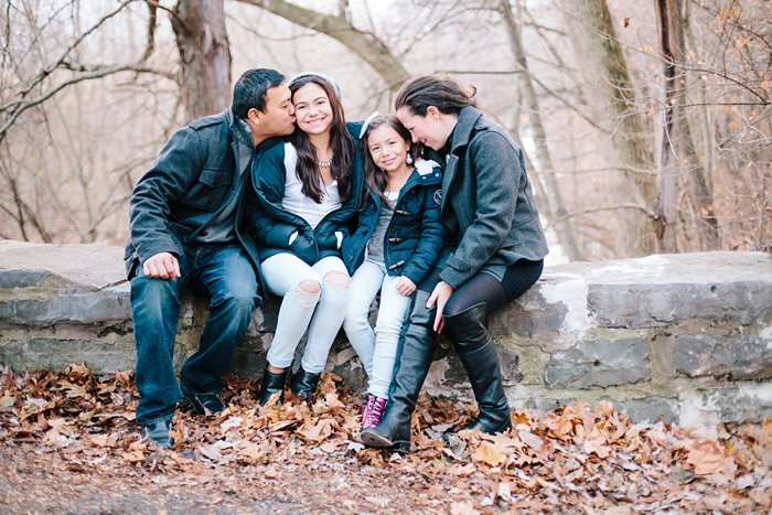 Lifestyle Family session outdoors by besa photography